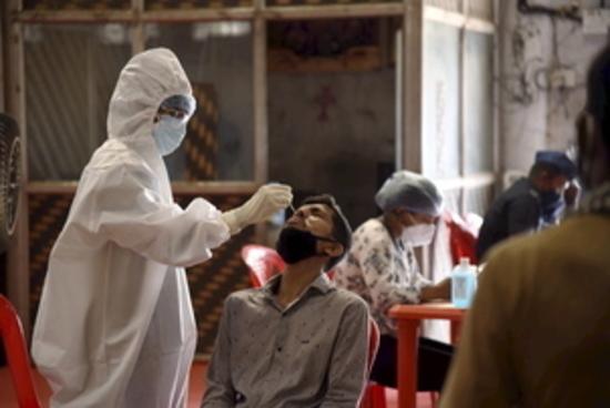 भारत में कोविड-19 के 4.12 लाख नए मामले, 3,980 लोगों की मौत
