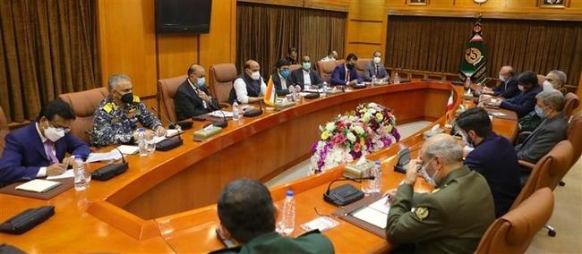 रक्षा मंत्री- राजनाथ सिंह ने तेहरान में ईरान के रक्षा मंत्री के साथ बैठक की तथा अफगानिस्तान और द्विपक्षीय सहयोग समेत क्षेत्रीय सुरक्षा के मुद्दों पर चर्चा हुई