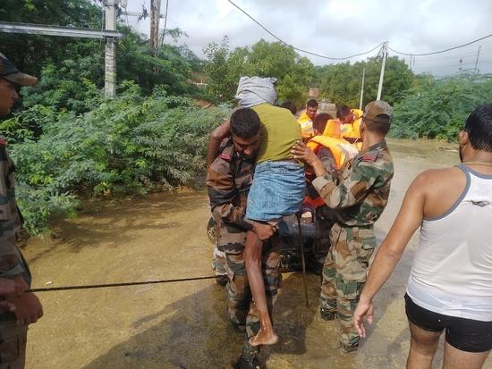 मध्य प्रदेश के बाढ़ प्रभावित क्षेत्रों में सेना के कॉलम तैनात किए गए: रक्षा मंत्रालय