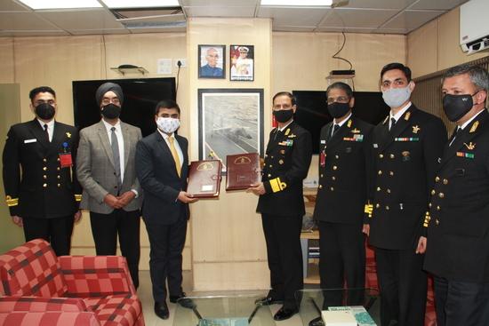 भारतीय नौसेना ने पांच डाइविंग सपोर्ट क्राफ्ट (डीएससी) के अधिग्रहण के लिए अनुबंध पर हस्ताक्षर किए
