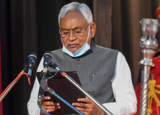 नीतीश सातवीं बार बने बिहार के मुख्यमंत्री, मंत्रिमंडल में भाजपा की अधिक हिस्सेदारी