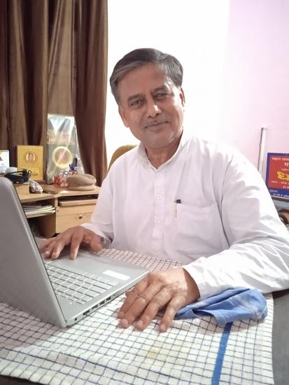 जिलाधिकारी कुशीनगर- एस राजलिंगम ने आज तहसील हाटा के ग्राम ढांढा बुजुर्ग में न्यू इंडिया सुगर मिल ( दी अवध सुगर मिल्स लि0) द्वारा चीनी मिल, विद्दुत उत्पादन एवं आसवानी के निर्माण हेतु अधिग्रहित भूमि के सम्बन्ध में अधिकारियों के साथ की बैठक - लोसपा ने सर्वप्रथम बंद चीनीमिलों को चलवाने की मांग की