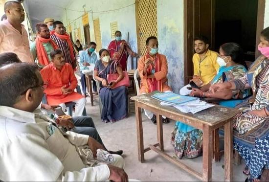 गोरखपुर-अयोध्या शिक्षक निर्वाचन क्षेत्र: डॉ०विभ्राट चंद कौशिक ने जनसम्पर्क किया