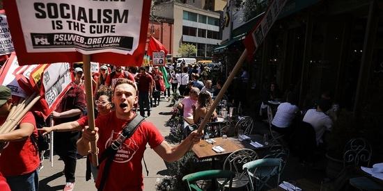 विशेष : 40 प्रतिशत से अधिक अमेरिकी अब किसी न किसी रूप में समाजवाद का समर्थन करते हैं: पॉल रैटनर