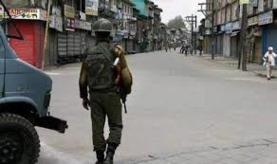 कश्मीर के अधिकतर इलाकों से पाबंदियां हटीं