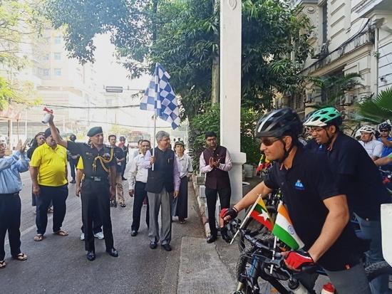 पूर्वोत्तर से म्यांमार, थाइलैंड और मलेशिया के रास्ते मलेशिया-सिंगापुर सीमा तक साइक्लिंग अभियान