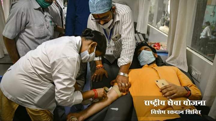 COVID-19: रक्तवीरों ने किया 40 युनिट रक्तदान